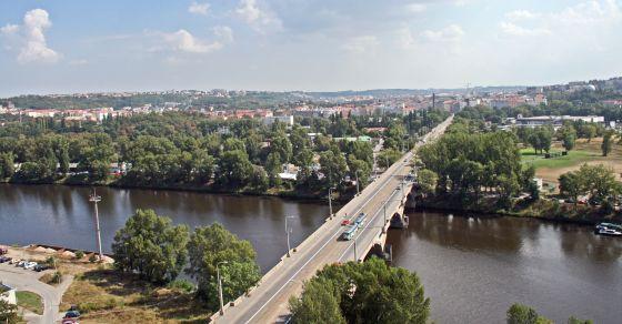 http://www.praha.eu/public/c6/23/96/2585517_845142_Praha_Lighthouse_Libesk_most_1.jpg